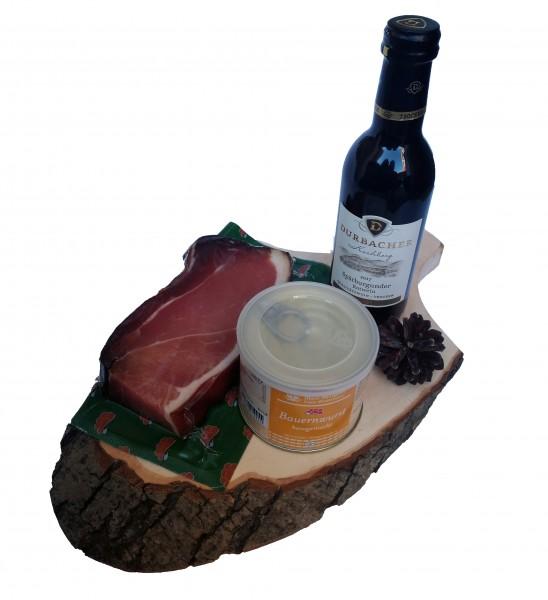 Schinkenbrett mit Durbacher Rotwein und Bauernwurst